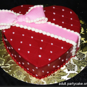 Maroon Heart as gift tied with pink gift lace Best Offers Cake
